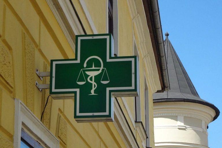 Raport PMR: Liczba placówek aptecznych w Europie Środkowej spada