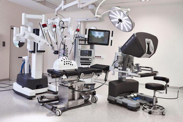 Szpital na Klinach: The seventh da Vinci robot in Poland