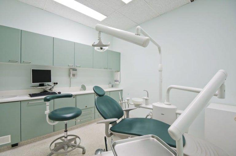 Rynek usług dentystycznych: trwa prywatna ofensywa