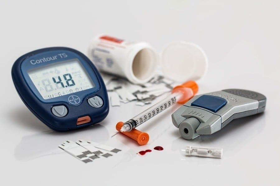 cukrzyca glukometr strzykawka insulina