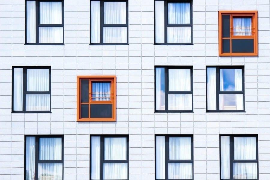 fasada okna budynek