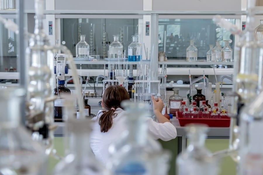 laboratorium synteza chemiczna