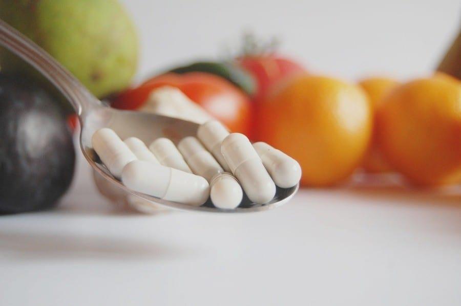 suplementy diety owoce kapsulki