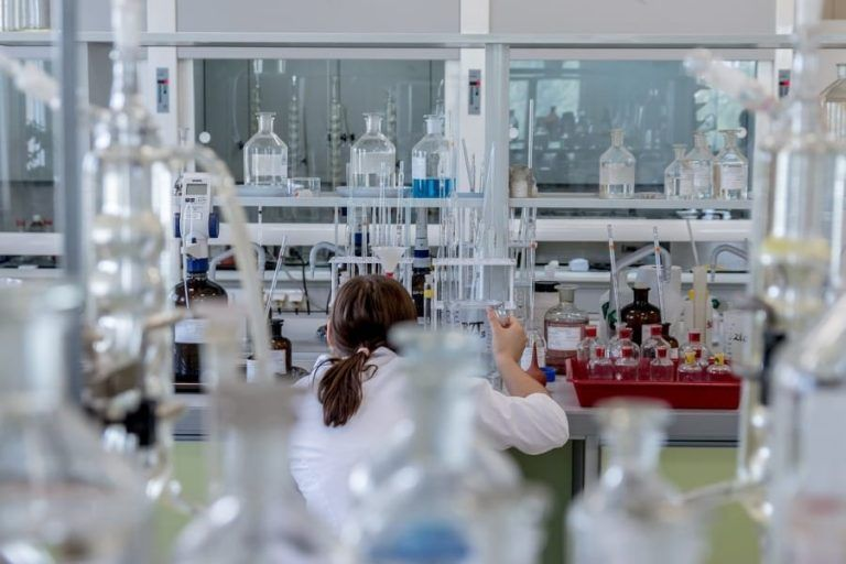 Polski start-up pomoże w poszukiwaniu nowych leków