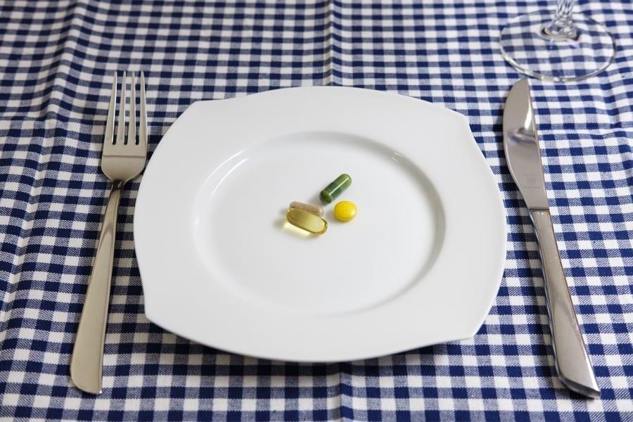 tabletki suplementy diety posilek
