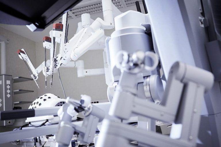 Raport PMR i Upper Finance: Rynek robotyki chirurgicznej wzrośnie o 28%