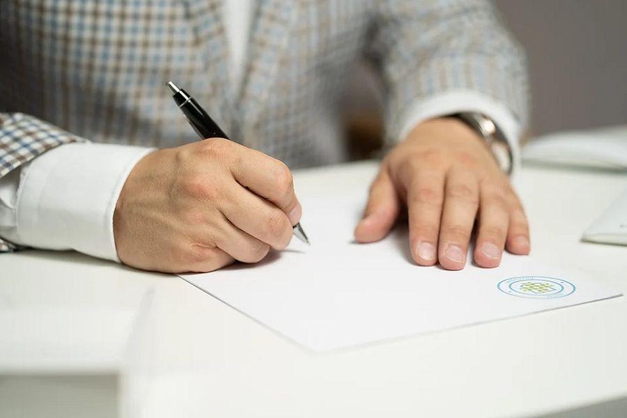 podpis dlon dlugopis